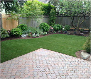 China 39mm Synthetic Landscaping Fake Grass Carpet U Shape For Homes Yard SGS Approved supplier
